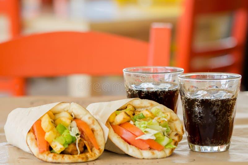 Culinária grega, souvlaki imagem de stock
