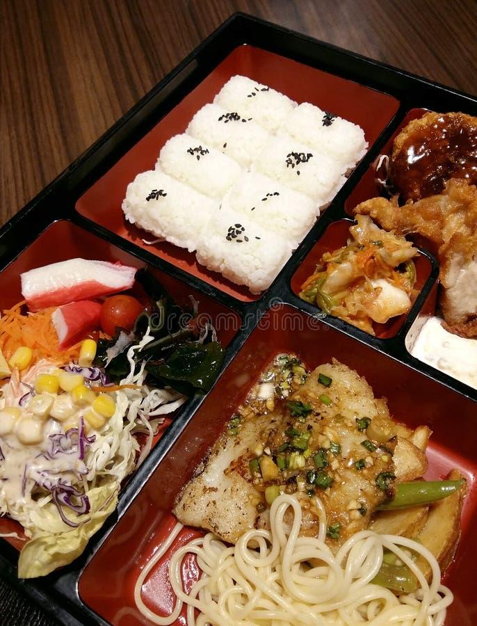 Culinária japonesa grupo da lancheira do bento imagens de stock