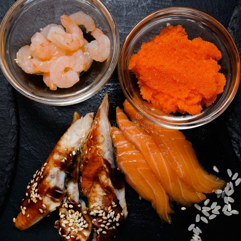 Culinária oriental da receita da refeição do ingrediente de alimento do sushi foto de stock
