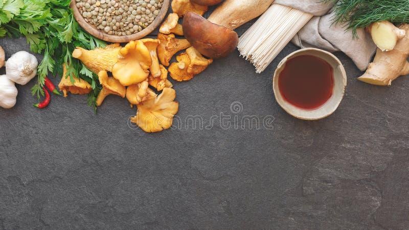 Culinaire achtergrond met diverse ingrediënten royalty-vrije stock foto