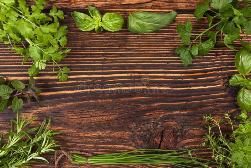 Culinaire kruidenachtergrond met exemplaarruimte royalty-vrije stock afbeelding
