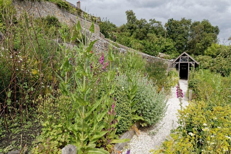 Culross slottträdgårdar, Skottland royaltyfri fotografi