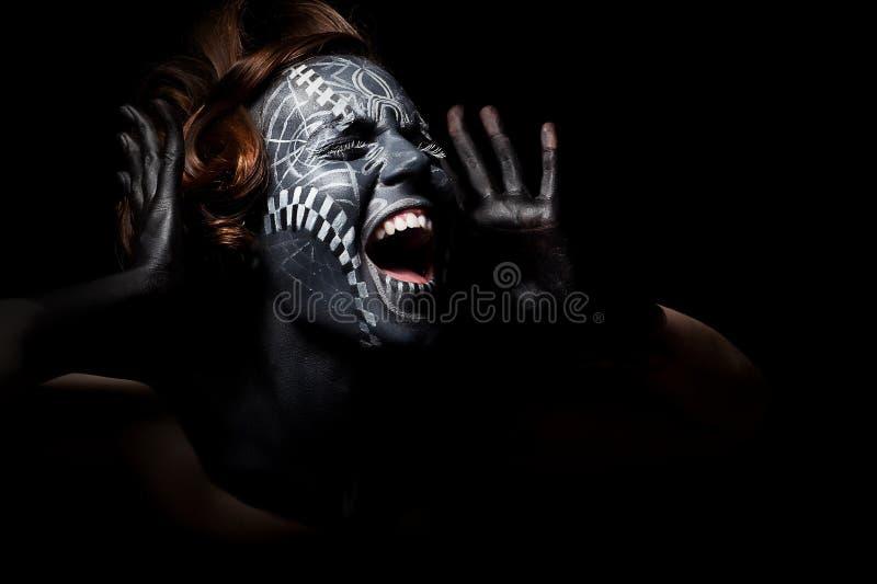Culte - cris femelles noirs religieux photo stock