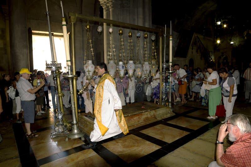 Culte d'église dans l'église de la tombe sainte jérusalem image libre de droits