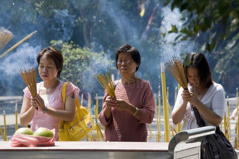 Culte de temple de Taoist - Hong Kong photographie stock libre de droits