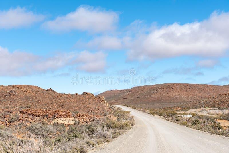 Cultive el paisaje en el camino R356 entre Fraserburg y Sutherland imagen de archivo