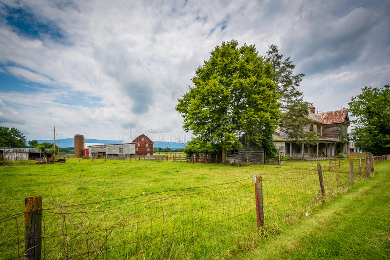 Cultivez dans Elkton, en vallée de Shenandoah rurale de la Virginie photographie stock