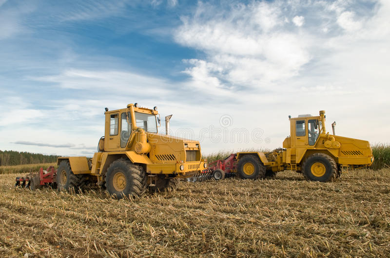 Download Cultivo Agricultural Do Campo Foto de Stock - Imagem de ripper, disco: 16850578