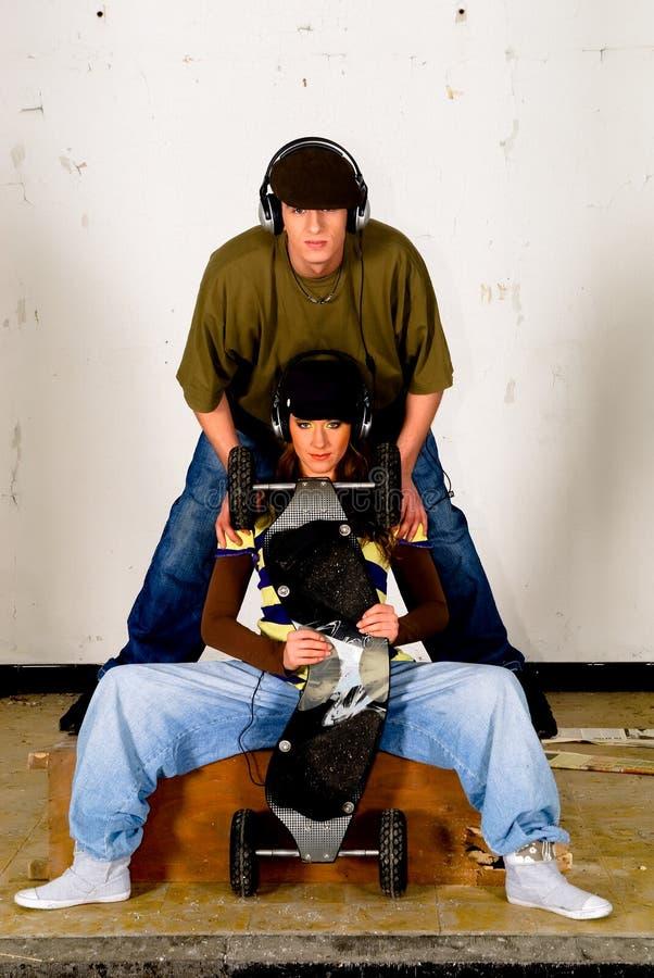 Cultivo del salto de la cadera, adolescentes imagenes de archivo