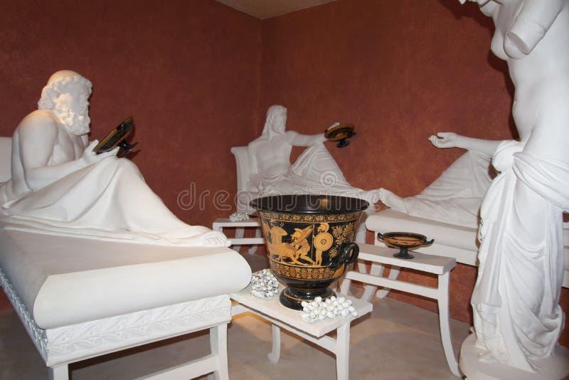 Cultura do vinho na escultura Shabo da foto de Dionysus Baccus do deus do witn do simpósio, região de Odessa, Ucrânia, o 20 de ju fotos de stock