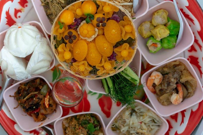 Cultura e credenza di alimento e dei dessert tailandesi per Buddha immagine stock libera da diritti