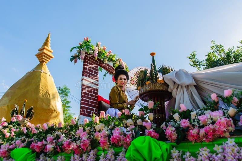 Cultura hermosa de Tailandia de la mujer imagenes de archivo