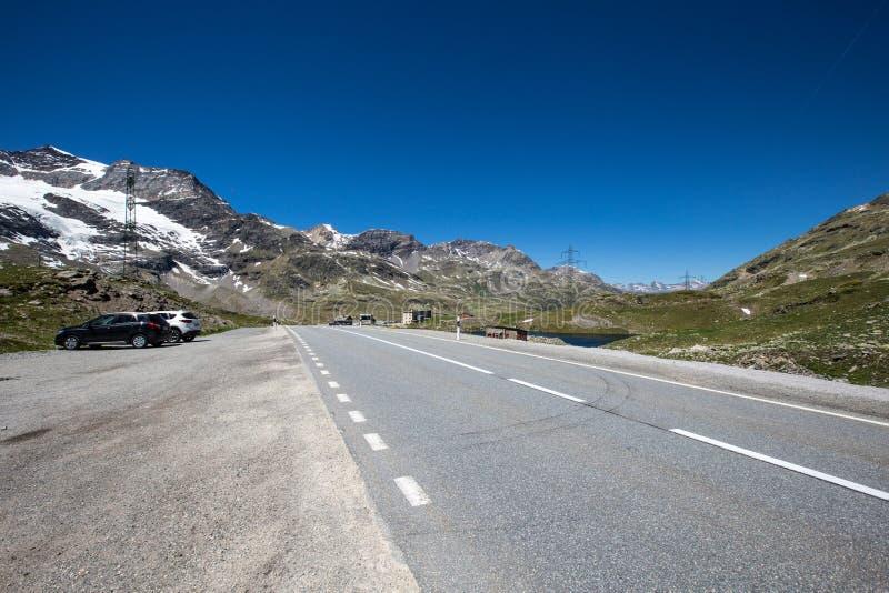 Cumbre de Bernina en un día de verano imágenes de archivo libres de regalías