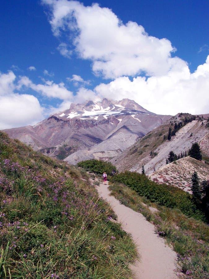 Cumbre de la montaña en la visión foto de archivo libre de regalías