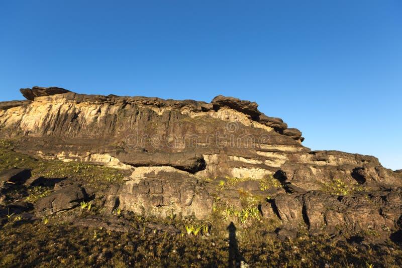 Cumbre del soporte Roraima, piedras negras volcánicas, Venezuela fotografía de archivo libre de regalías