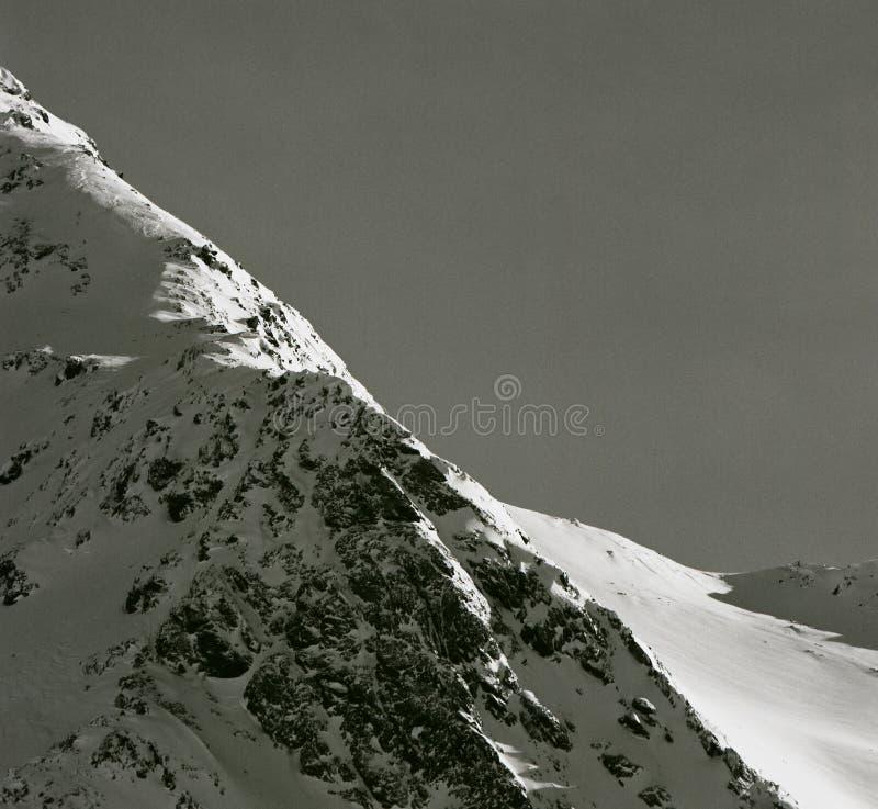 Cume íngreme da montanha - cumes, Tirol, Áustria imagens de stock