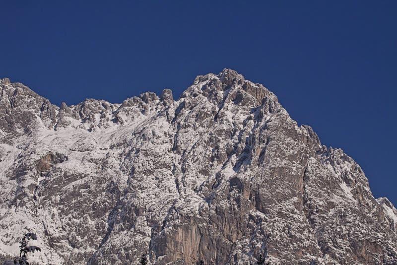 Cumes altos austríacos de Tauern, paisagem do inverno imagens de stock royalty free