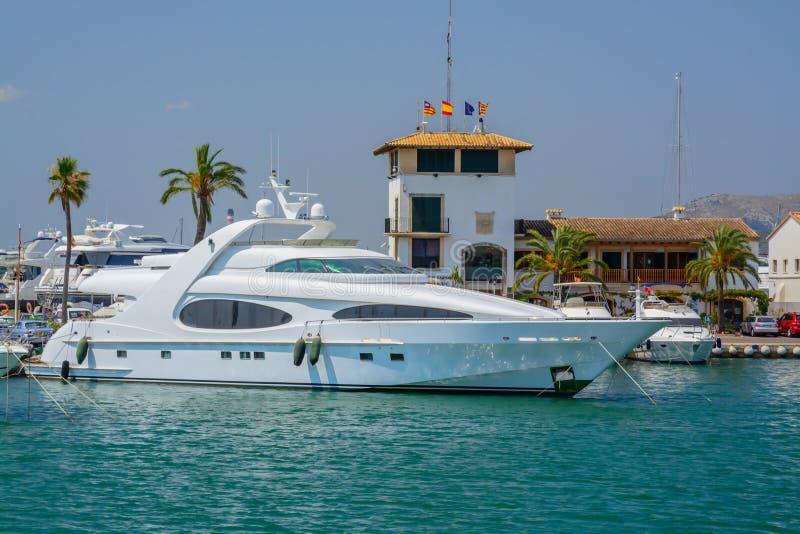 Cumować łodzie Portowy De Alcudia obraz stock