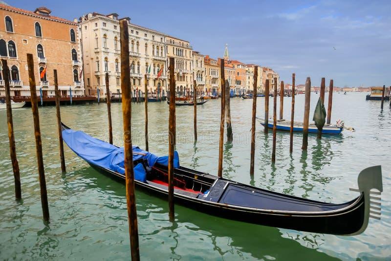 Cumować gondole w Wenecja zdjęcie royalty free