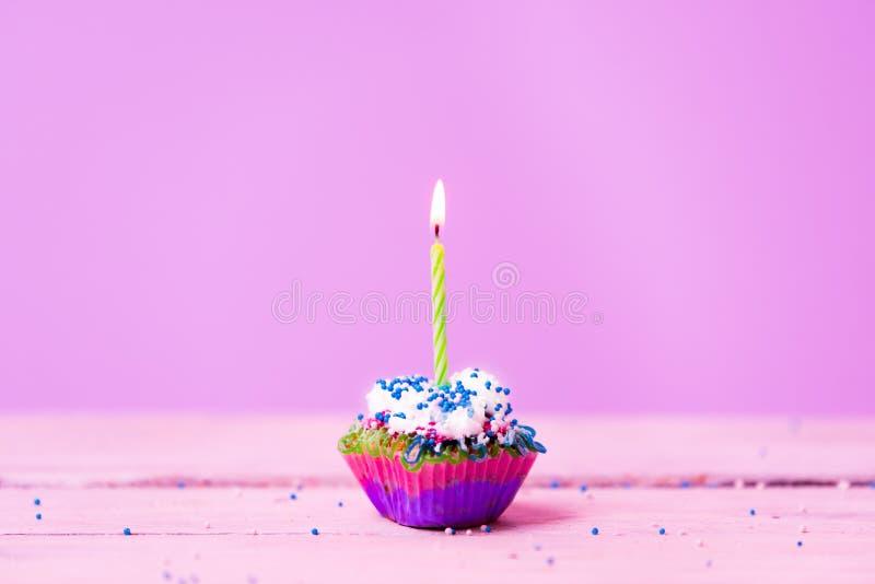 Cumpleaños rosado feliz fotografía de archivo