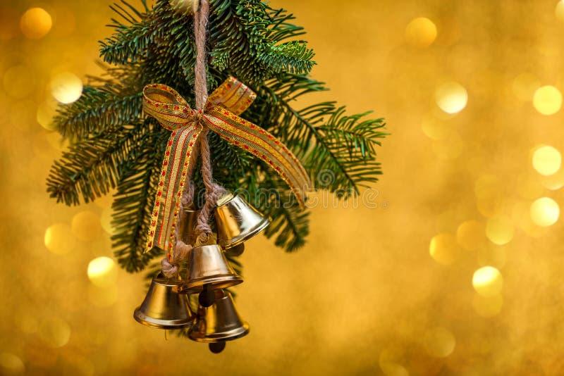 Cumprimentos do ` s do ano novo Decorações do Natal fotografia de stock royalty free