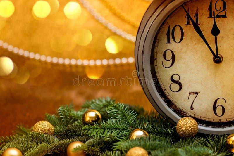 Cumprimentos do ` s do ano novo Decorações do Natal fotos de stock royalty free