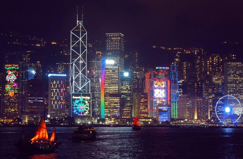 Cumprimentos sazonais nos arranha-céus de Hong Kong foto de stock royalty free