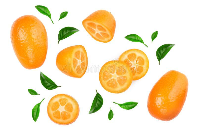 Cumquat ou kumquat com os slies isolados no fundo branco Vista superior Configura??o lisa imagens de stock
