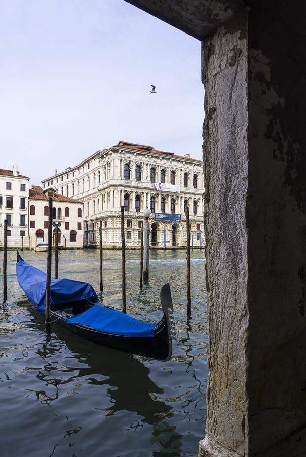 Cumująca gondola w Wenecja zdjęcia stock