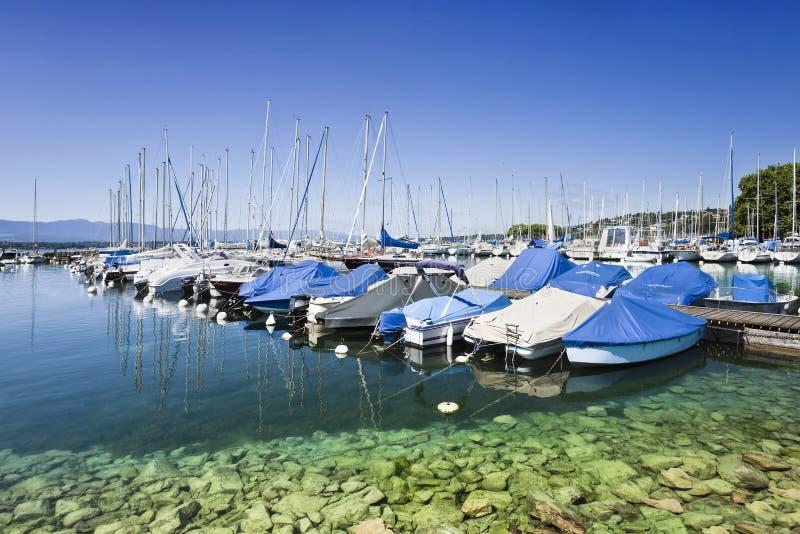 Cumujący jachty w schronieniu przy Geneva, Szwajcaria zdjęcia stock