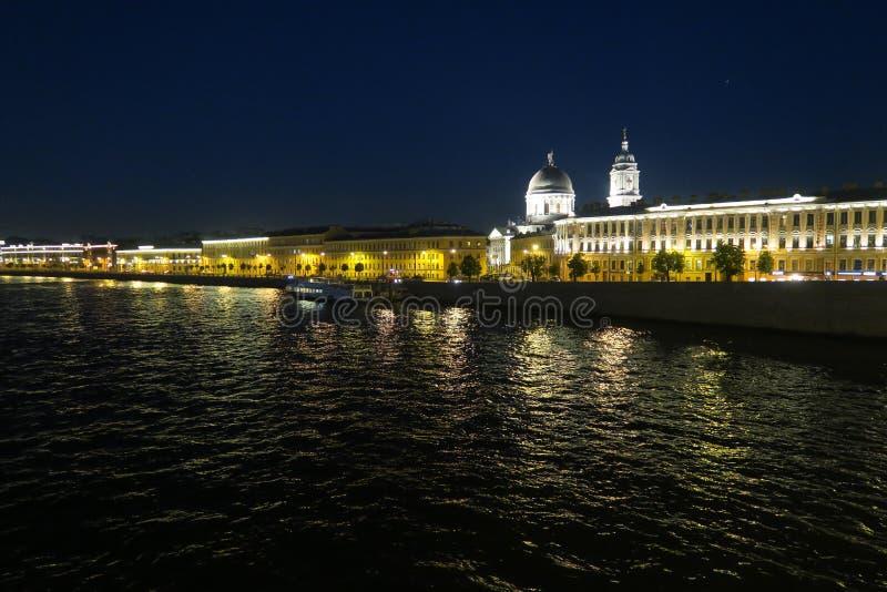 cumujący noc portu statku widok fotografia stock