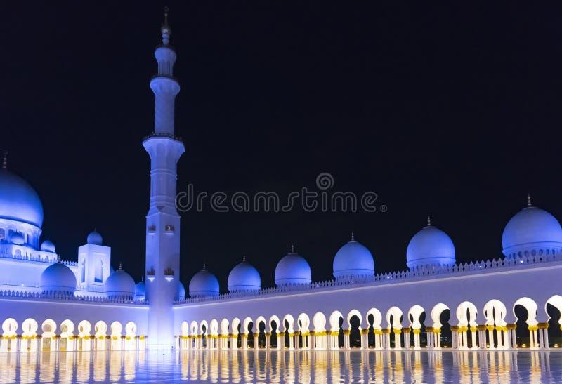 cumujący noc portu statku widok 2 abu al arab niż tysiąc uae jednoczących cześć zayed był jak koszem byli mogą kraju dhabi eid em fotografia stock