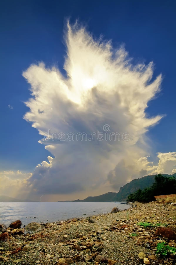 Cumulonimbus het Toenemen van de Wolk van Aanbeelden royalty-vrije stock afbeeldingen