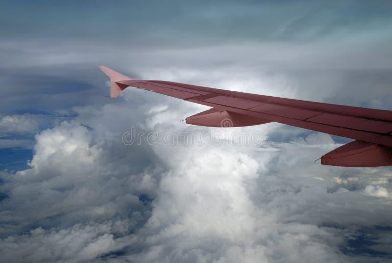 Cumulonimbus y ala rosada fotos de archivo libres de regalías