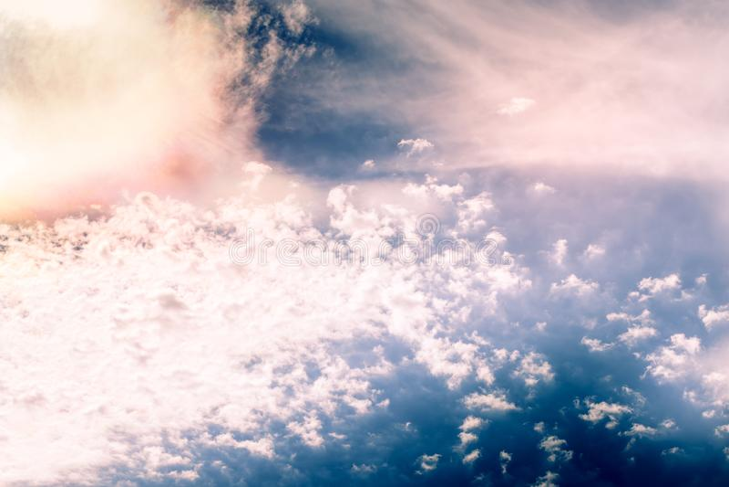 Cumulus, chmura pierzasta i soczewkowate chmury, zdjęcia stock