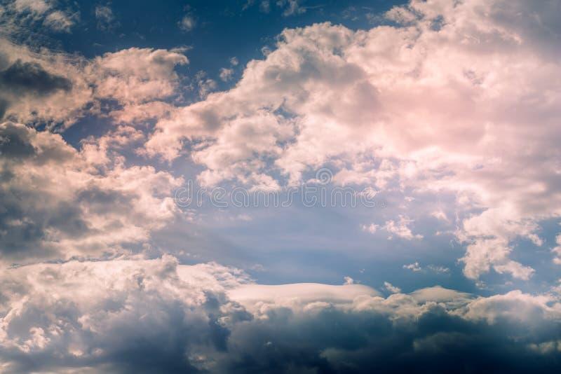 Cumulus, chmura pierzasta i soczewkowate chmury, obraz stock