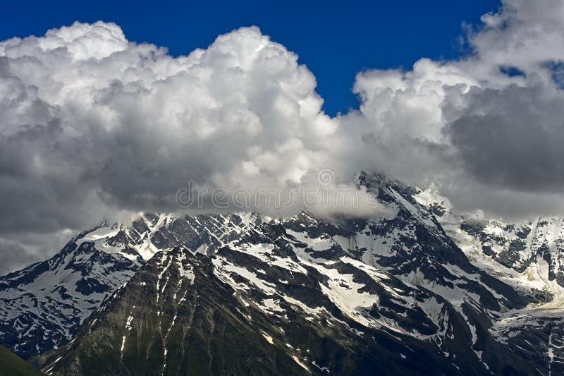 Cumulus chmury nad Francuscy Alps obrazy royalty free