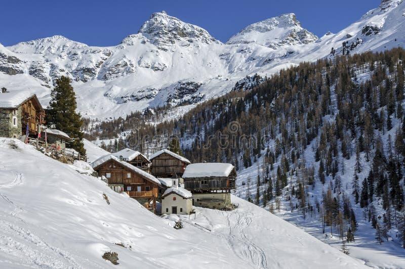 Cuneaz (Valle d'Aosta, Italien) arkivbild