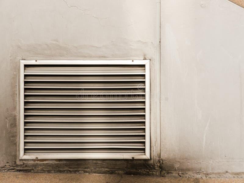 Cunicolo di ventilazione della parete immagini stock