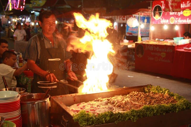 Cuoco del mercato della Tailandia immagine stock libera da diritti
