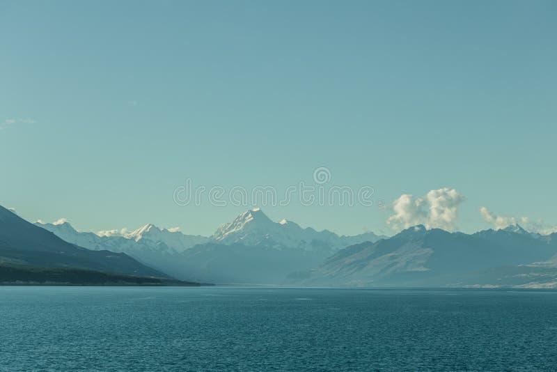 Cuoco del supporto, lago Pukaki, alpi del sud del parco nazionale, Nuova Zelanda fotografia stock
