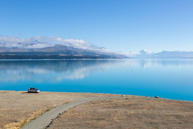 Cuoco del supporto sopra il lago Pukaki immagini stock