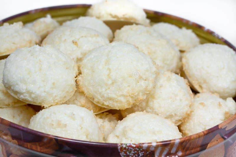 Cuoco di natale dei maccheroni di noce di cocco dei maccheroni di noce di cocco immagini stock libere da diritti