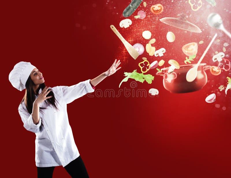 Cuoco unico magico pronto da cucinare un nuovo piatto di Natale immagini stock