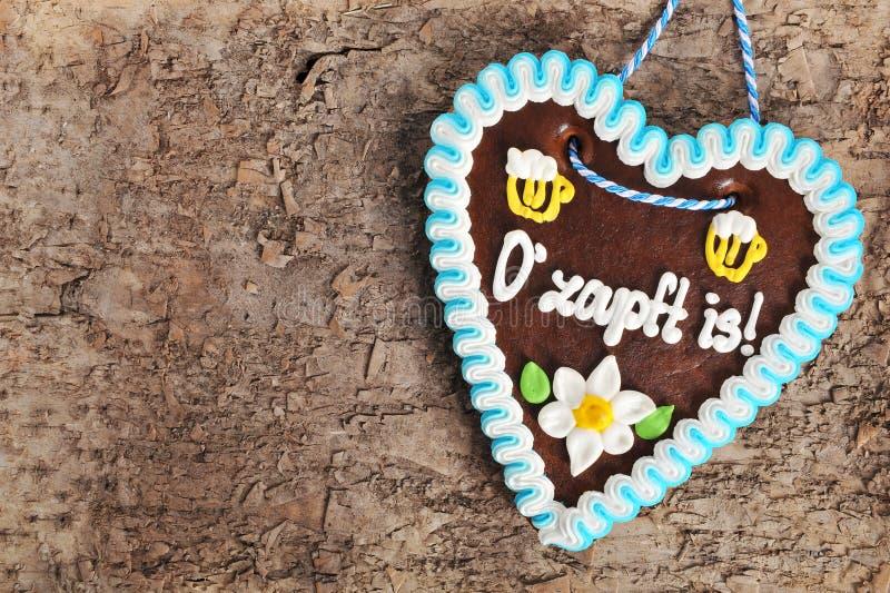 Cuore bavarese del pan di zenzero di Oktoberfest immagine stock libera da diritti