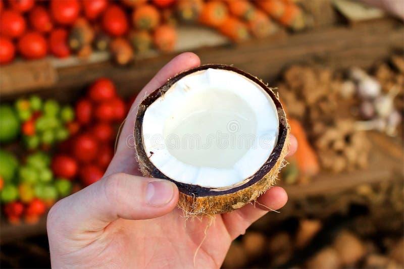 Cuore della noce di cocco fotografia stock