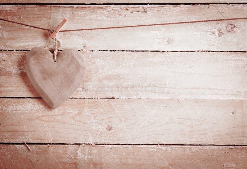 Cuore di legno rustico fotografia stock libera da diritti
