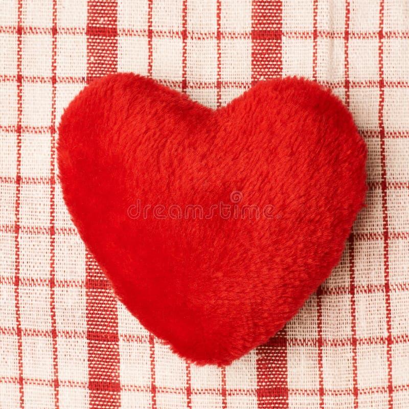 Cuore di rosso della peluche fotografia stock