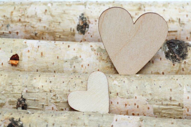 Cuore e fondo di legno fotografia stock libera da diritti