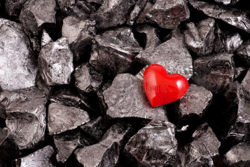 Cuore e pietre rossi fotografia stock libera da diritti